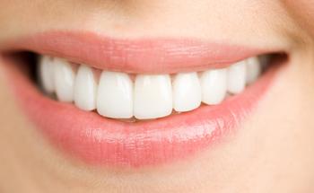 Ayudas naturales para los dientes blancos